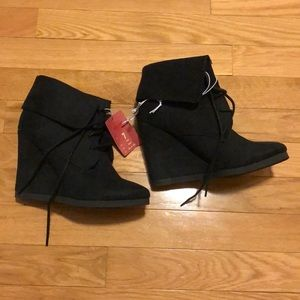 NWT black booties size 7